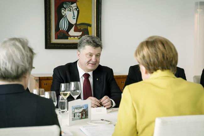 Poroshenko und Merkel
